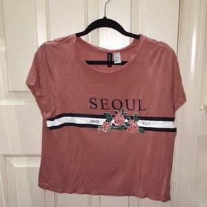 SEOUL crop top size L (but fits a XS or S)